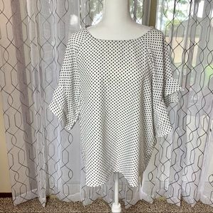 Umgee Polka Dot Flutter Sleeve Top Size Large